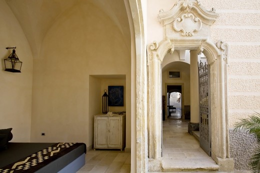 Palazzo Gorgoni, luxury arisocratic townhouse with pool in Galatina