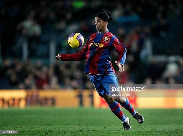 30 Top Ronaldinho Barcelona Pictures Photos Images Getty Images In 2020 Barcelona La Liga Best Football Players