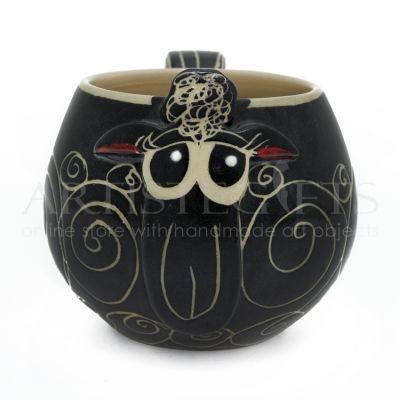 Κούπα Κεραμική Μαύρο Πρόβατο. Αποκτήστε το online πατώντας στον παρακάτω σύνδεσμο http://www.artistegifts.com/koupa-keramiki-mavro-provato.html