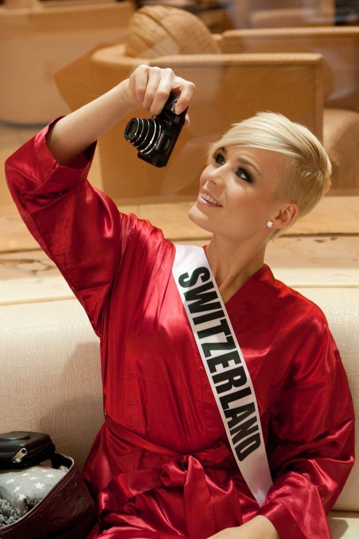 Miss Switzerland, Dominique Rinderknecht rockin' the sidecut!