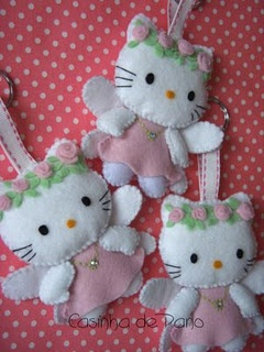 hello kitty felt...this site has tons of felt project inspiration. Warning...it's not english. But the pics are super cute!
