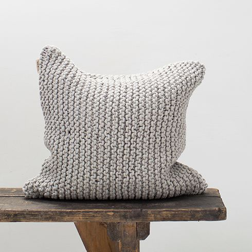 Pillow_light grey_Tellmemore