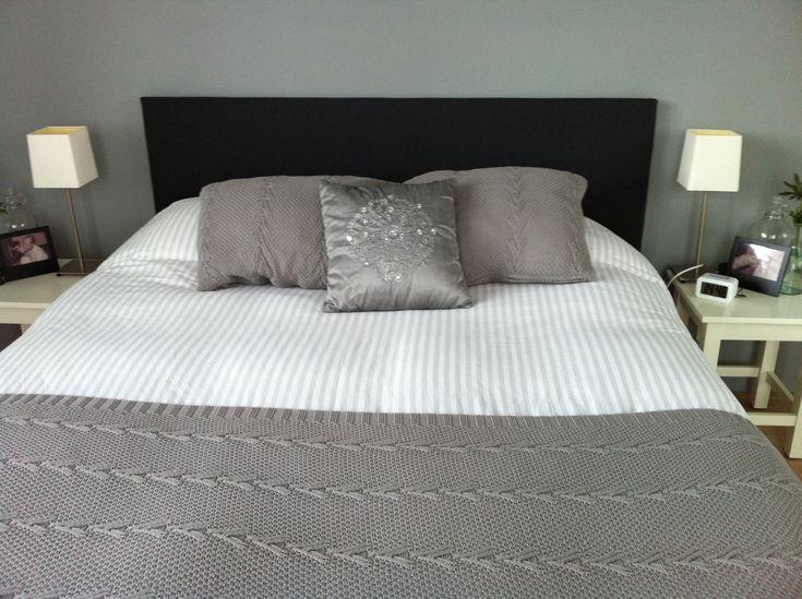 Met ons bed was niets mis, een mooi auping bed, maar je ziet zoveel boxspringbedden tegenwoordig met een mooie stoffen achterwand.