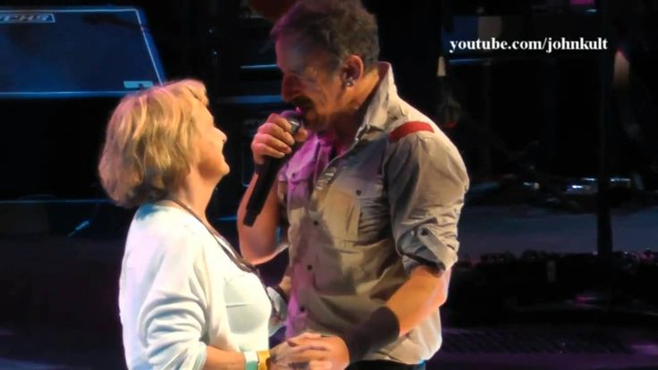 Bruce Springsteen - Save The Last Dance For Me (Live Albany 2014) HD Pro...