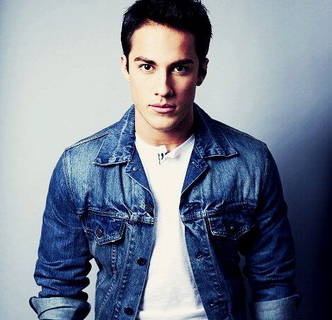Michael Trevino (Tyler Lockwood) The Vampire Diaries