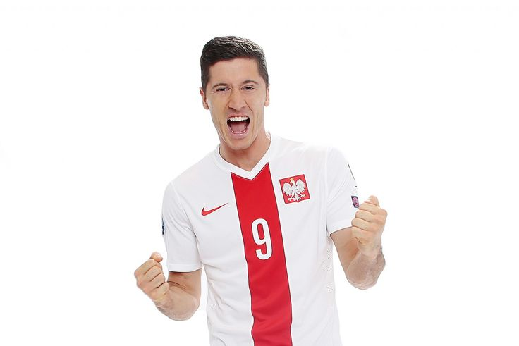 Robert Lewandowski - napastnik  Reprezentant Polski w Piłce Nożnej