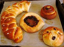 Several types of pulla sweet bread