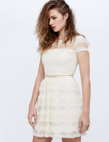 Vestido beige encaje ideal para ocasiones especiales o para las ocasionesmas casual