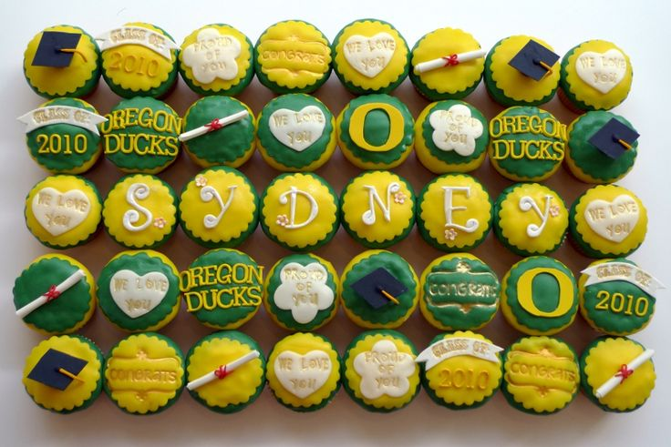 OMG these are great! Someone please make me an Oregon Ducks cupcake! :): Graduation Cupcakes, Dessert Goducks, Oregon Ducks Cake, Party Desserts, Cupcakes Oregon, Grad Parties, Oregon Ducks Cupcakes