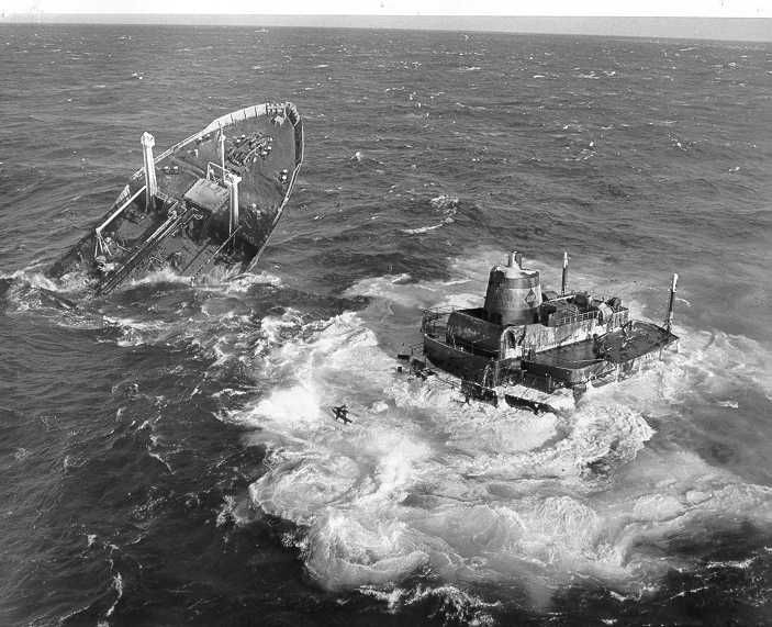shipwrecks | The wreck of the Liberian tanker Argo Merchant off Nantucket, 1976