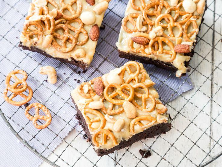 Brownies mit Karamell und Salzbrezeln