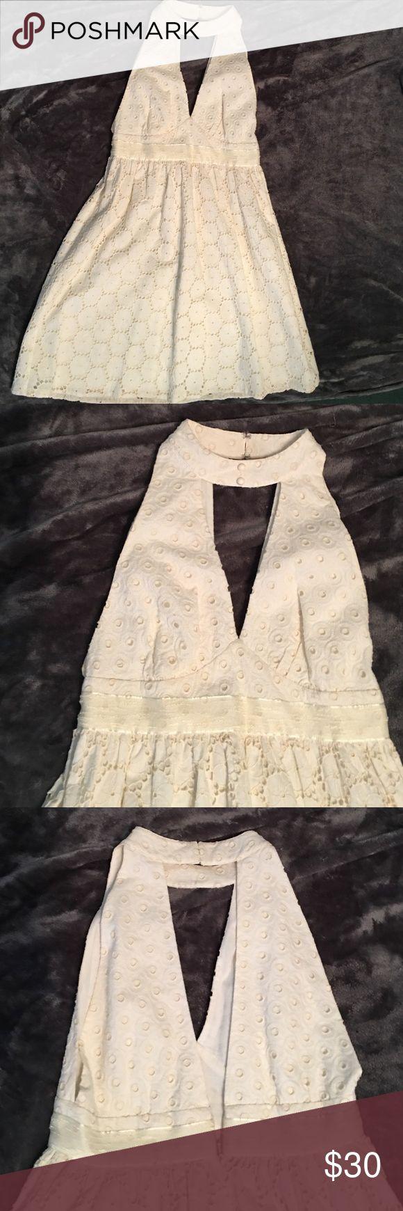 GORGEOUS ANNA SUI EYELET DRESS 6 Gorgeous! 100% cotton with 100% cotton lining. Size 6. Anna Sui Dresses