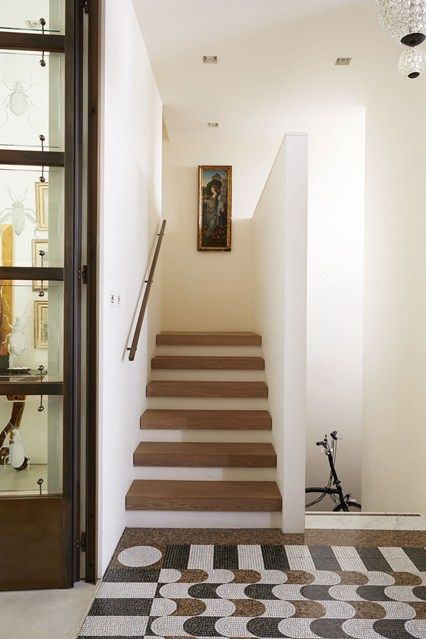 17 best images about stairs on pinterest hallways for Hall stairs carpet ideas