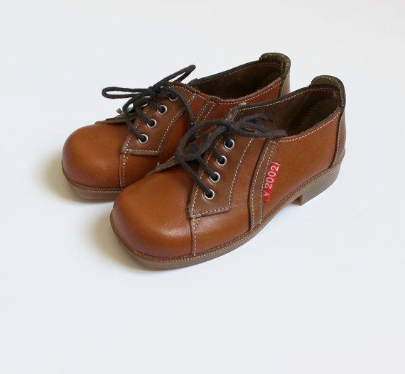 VINTAGE 70's / enfant / chaussures garçon / par Prettytidyvintage