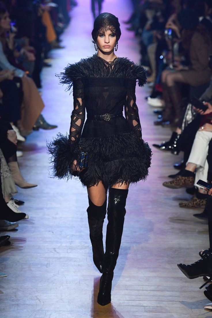 https://www.vogue.com/fashion-shows/fall-2018-ready-to-wear/elie-saab/slideshow/collection