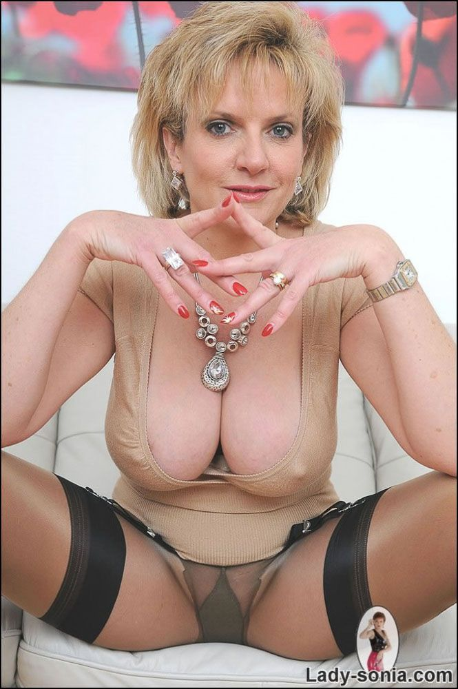 Milf Lady Big Boobs