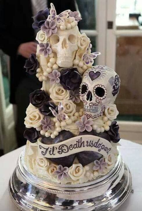 A perfect wedding cake if you would like to invite the Baron and Brigitte as honored guests!