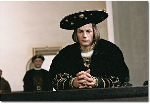 """El actor alemán Torben Liebrecht como Carlos V en la película """"Lutero"""", 2003."""