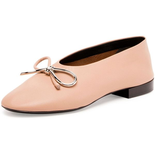 Balenciaga Leather Bow Ballerina Flat (1.875 BRL) ❤ liked on Polyvore featuring shoes, flats, nude, flat pump shoes, nude shoes, nude ballet pumps, round toe flats and ballet pumps