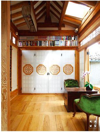 37M² HANOK- SEOCHON NUHADONG Jeong-Hun Lim, Jae-Sook Yeom House. From Casa Living http://m.navercast.naver.com/mobile_contents.nhn?rid=1409&contents_id=69172&leafId=1077&isVertical=Y