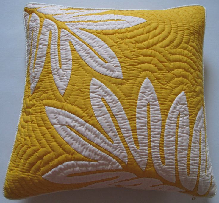 "Amazon.com - 2 Hawaiian Quilt Pillow Covers, Cushions, 100% Hand Quilted/hand Appliqued 18"" - Throw Pillow Covers"