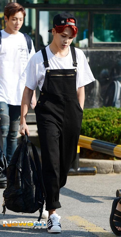 he needs to wear overalls more often bc damn