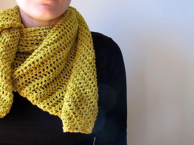Found on oneflewoveroneflewovercom Infinity Scarf Tutorial Crochet