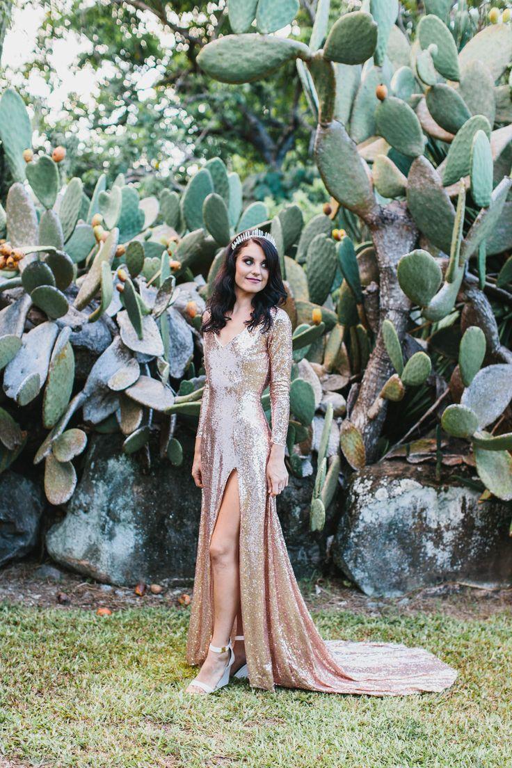Desert Metallics Wedding Inspiration - Polka Dot Bride