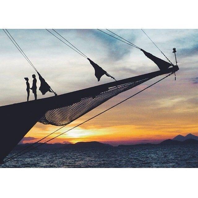 Nih penyemangat buat yang #pengenkerajaampat     diambil sama #papuaphotographer : @yachtsyco    kesini asyiknya rame rame... ayo mention temen/saudara/sahabat/pasangan yang juga #pengenkepapua   #rajaampat #rajaampatisland #rajaampattrip #indonesiaphotographers #rajaampatislands #pengentraveling #pengenkelilingindonesia #pengenkelilingdunia  #explorerajaampat