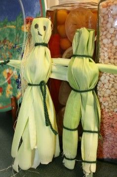 Corn husk dolls- tutorial    we used to make these and then make leaf dresses.
