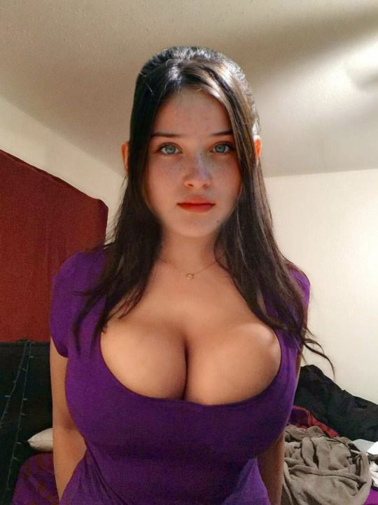 Hot Amateur Big Tits