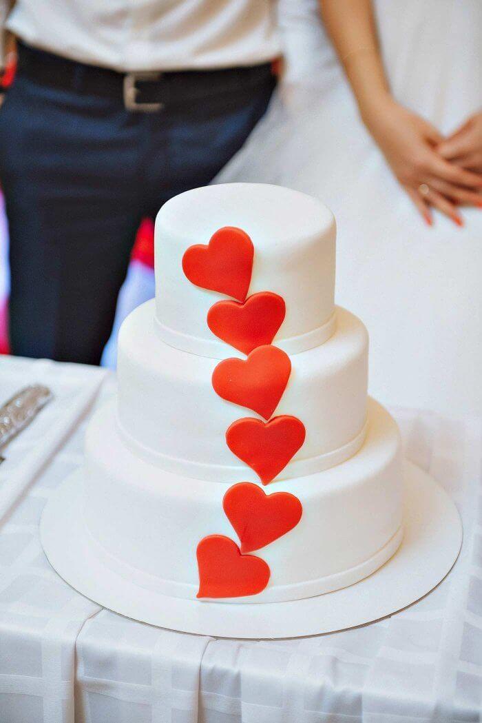 Hochzeitstorte Mit Herzen Hochzeitstorten
