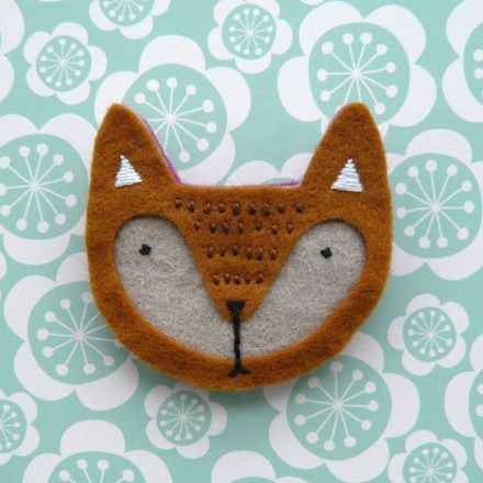 foxy: Crafts Ideas, Felt Brooches Patterns, Foxes Brooches, Crafty Pursuit, Foxes Pin, Foxes Foxes, Cute Foxes, Felt Ideas, Felt Foxes