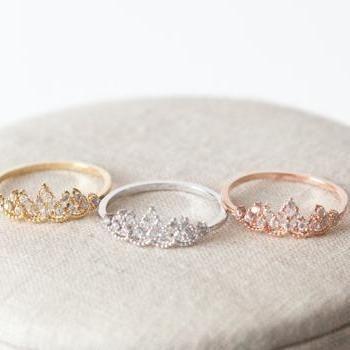Delicate tiara ring