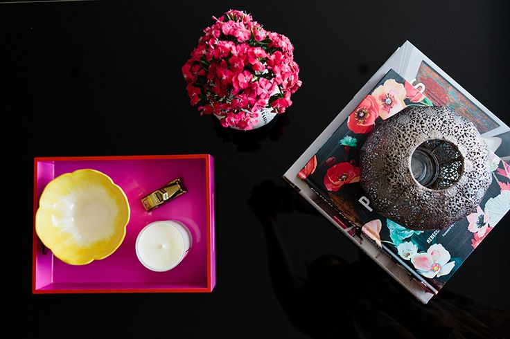 Rushcutters Bay Apartment - Emma Blomfield Interior Stylist Sydney. Coffee Table. Living Room. Style and Ideas. Flowers. Pink Tray. Pretty Decoration.