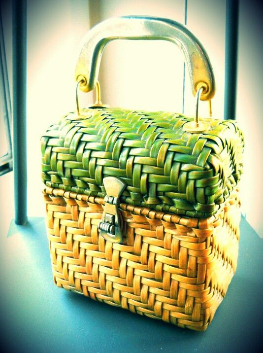 Summer feeling - my new vintage wicker bag with Lucite handle. 1950s / Made in Hong Kong