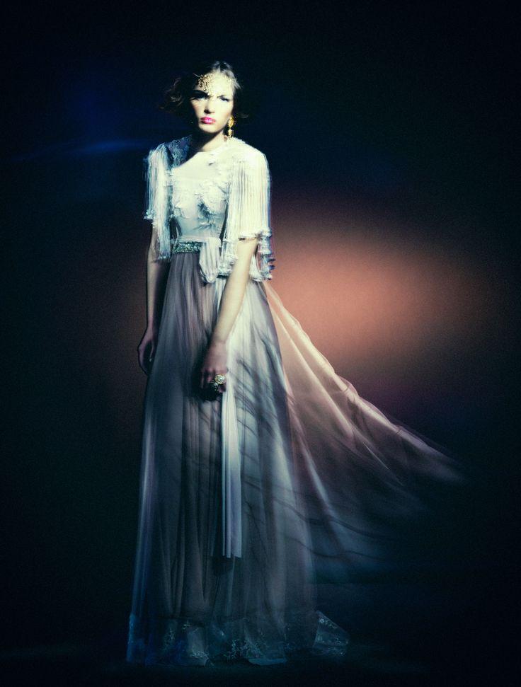 Styling: Ariane Furguson Mua: Lindsay Nixon Model: Kayla M - Models Int. Garment: Kathrin Kidger Photo: JoNo