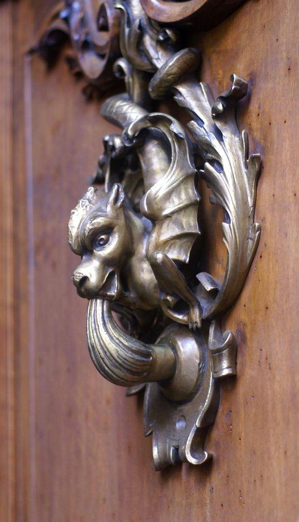 Torino, Via dei Mercanti, Türklopfer (door knocker) | Flickr - Photo Sharing!