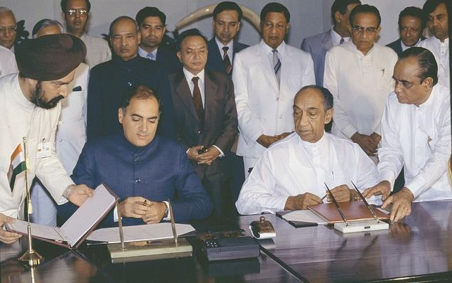 Late Sri Lankan President J.R. Jayewardene & late Indian Prime Minister Rajiv Gandhi signing the Sri Lanka - India Peace Accord in Colombo on July 29, 1987. If one closely look at JR's face & his expressions one can understand why he was aptly called the 'old fox'!