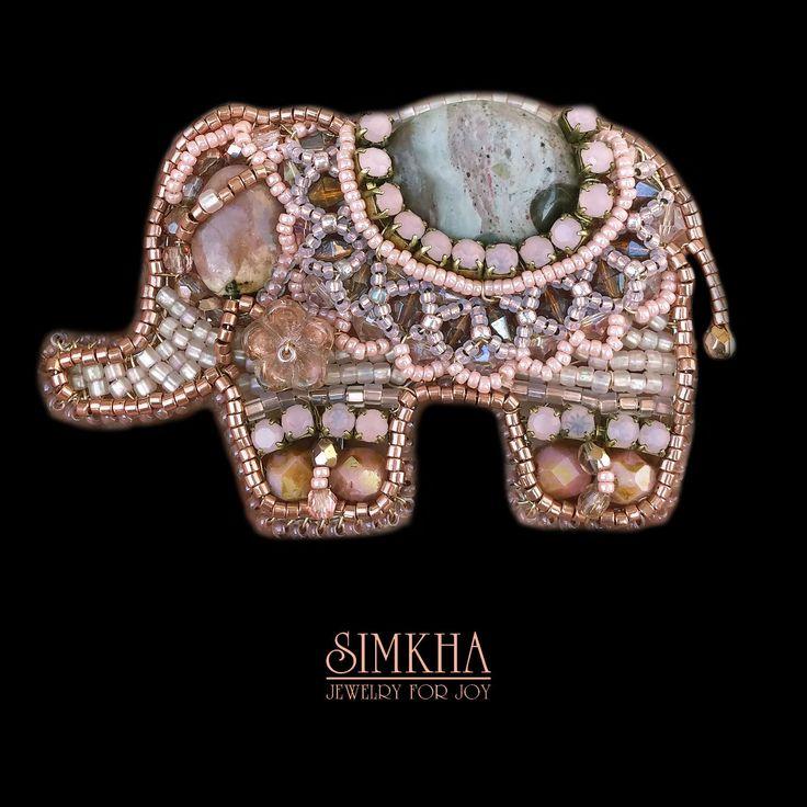 """Купить Брошь """"Слоник"""" - праздничное украшение, подарок, ручная работа, кремовый, слон, металл, бусины"""