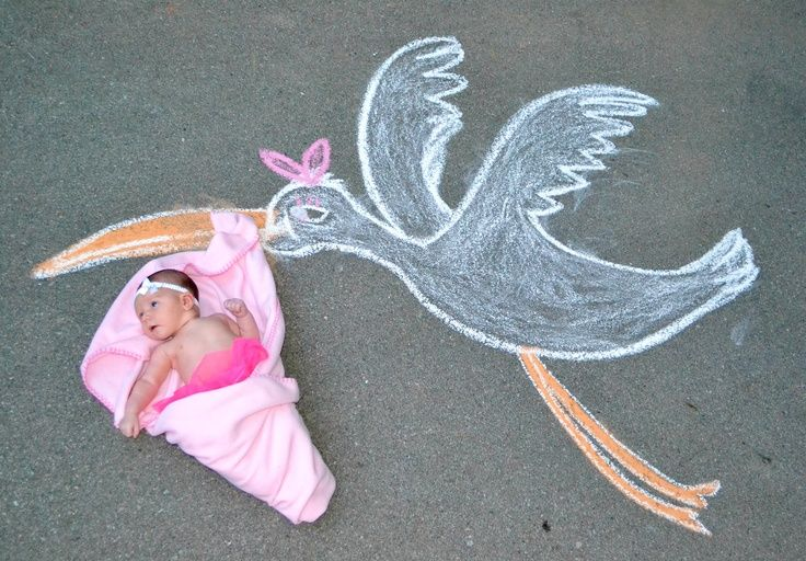 chalk drawing kids photography | Sidewalk Chalk fun art photography! Creative ideas for new baby. Stork ...