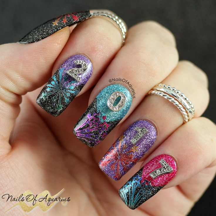 Products Used: Dance Legend Gothic Veil, Dance Legend Just Another Star, Dance Legend Through The Glass, Dance Legend Party Time, Sally Hansen Silver Sweep, Sugar Bubbles SBS12, Hologlam Decals Stamping Foil, Polished Vino Clear Chevron Vinyls, Twinkled T Glamour Mat