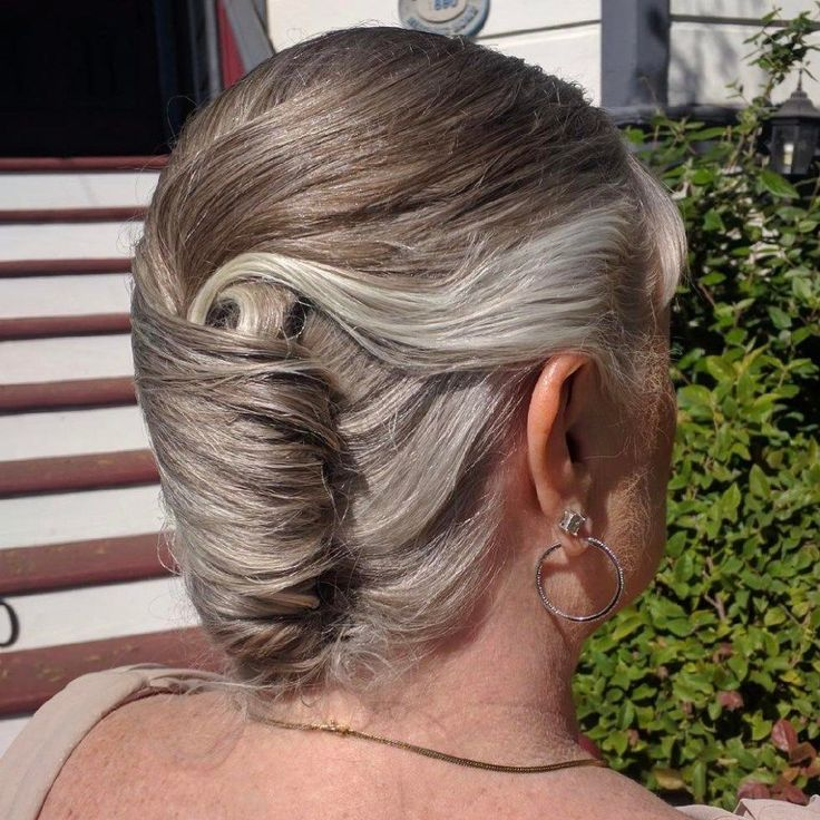 Best 25 French Roll Hair Ideas On Pinterest French Roll