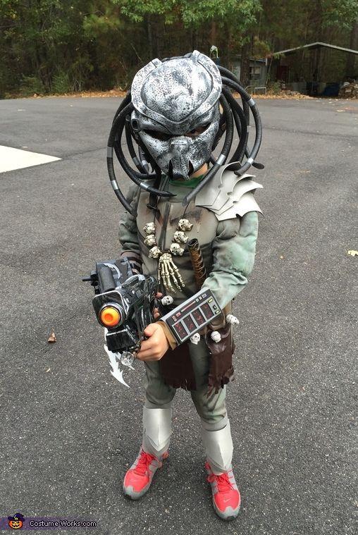 Tiny Predator - Halloween Costume Contest via @costume_works
