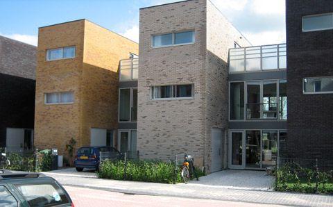 Блокированные дома в Румберге (Blocked Houses in Roomburg) в Голландии от DKV architecten.    71 роскошный дом на одну семью построены недавно в голландском Ляйдене. Из них 54 дома двух основны…