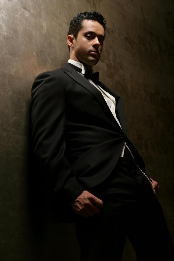 Rafael Alencar Mens Tuxedo We Know How To Do It