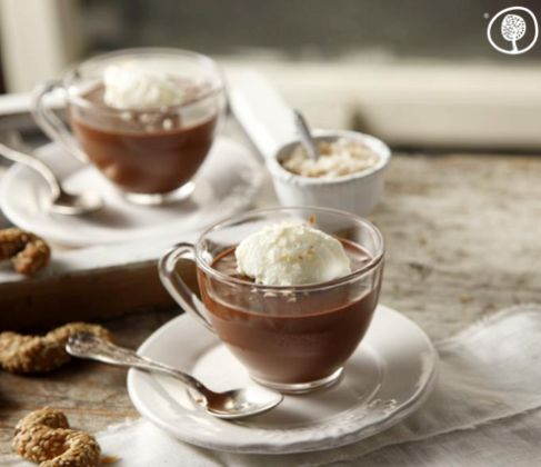 """Valentine's recipe! A light mousse which combines chocolate, olive oil and """"flavoured salt"""" in a unique way. A really special dessert! bit.ly/1nvLFUQ #yolenistaste #valentinesday"""
