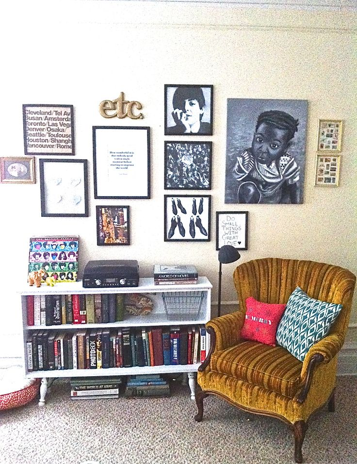 Small space eclectic collection.  Wall gallery Vintage small space. Redo. Apartment decor. Wall art. Eclectic.