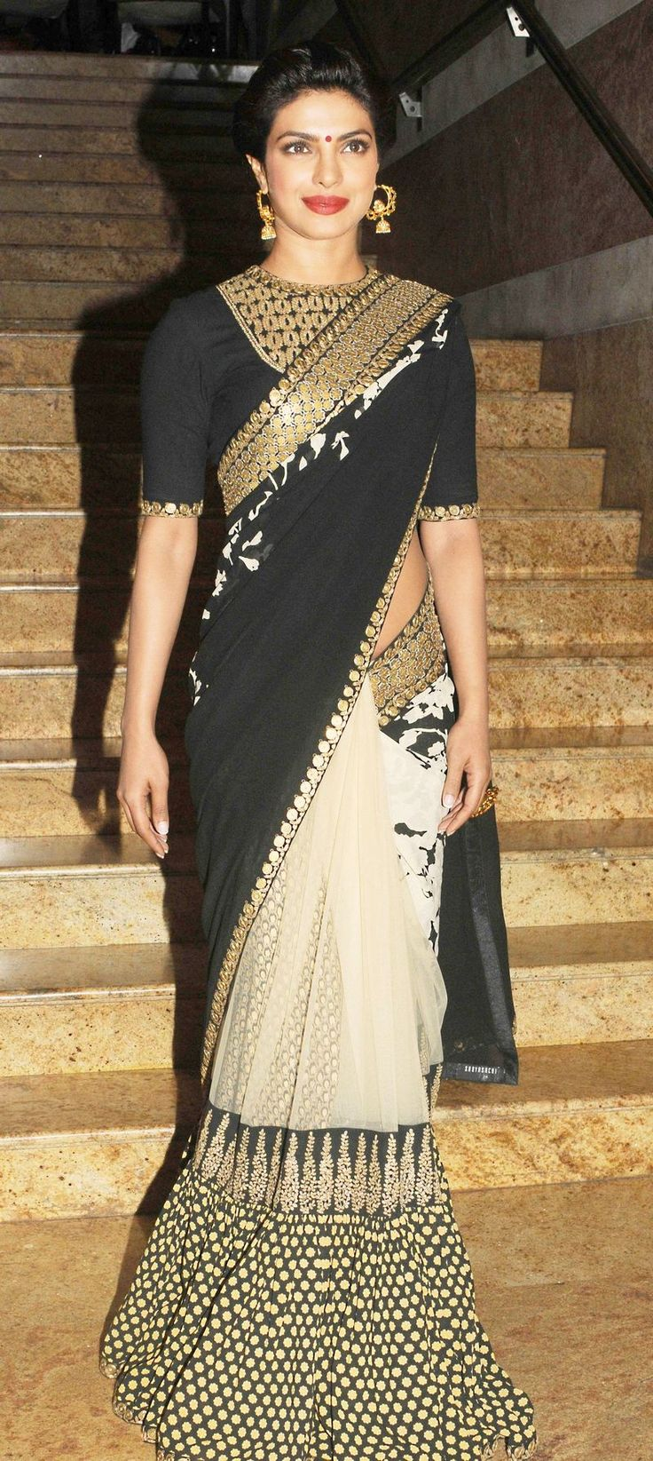 Priyanka Chopra looked statuesque at the launch of Dilip Kumar's autobography. #Style #Bollywood #Fashion #Beauty