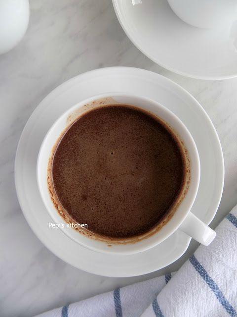 Ζεστή Σοκολάτα με Εσπρέσσο http://pepiskitchen.blogspot.gr/2017/02/zesti-sokolata-me-espresso.html